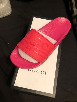 Gucci flip flops for Sale in Shaker Heights, OH