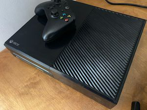 Xbox one 500 gb black for Sale in Philadelphia, PA