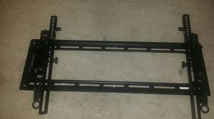 TV mount for wall hold up to 75in for Sale in Peoria, AZ