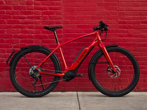 Almost New Trek 2019 Super Commuter 8s electric bike ebike bicycle for Sale in Austin, TX