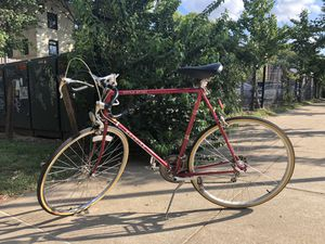 Black and Red Schwinn World Tour Road Bike for Sale in St. Louis, MO
