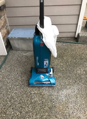 Hoover Windtunnel Bagged Vacuum with 3 bags for Sale in Renton, WA