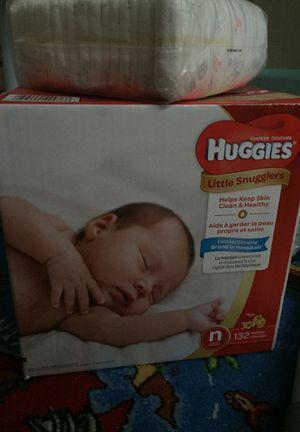 HUGGIES DIAPERS newborn (132Count) for Sale in Oak Park, IL