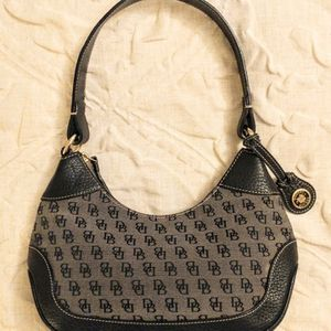 Vintage Dooney & Bourke Signature Small Hobo Shoulder Bag for Sale in Monroe, WA