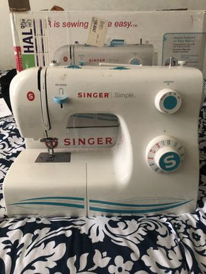 Singer Sewing Machine for Sale in New York, NY