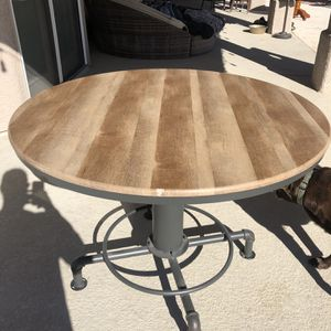"Kitchen Table 44"" for Sale in Las Vegas, NV"