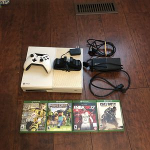 Xbox One, Controller, Games, Charger for Controller for Sale in Gordo, AL