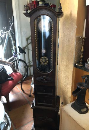 Reproduction Antique Floor Clock for Sale in Pembroke Pines, FL