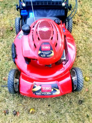 """Toro 22"""" Recycler Personal Pace with Spin-Stop Lawn Mower (20333) for Sale in Marlow Heights, MD"""