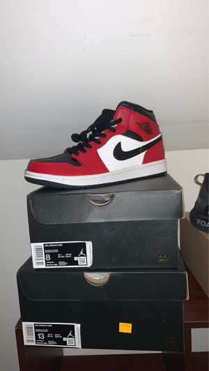 Nike Jordan 1 Mid Chicago BlackToe Size 8 and 13 for Sale in CT, US