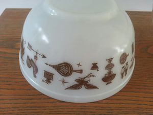 VTG Pyrex Americana Early America 2.5 Qt 403 Mixing Nesting Bowl for Sale in Akron, OH