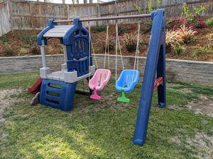 Little Tikes clubhouse swing set for Sale in Wildomar, CA