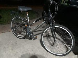 Like New women's mountain bike . for Sale in Norwalk, CA