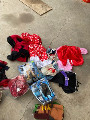 FREE HALLOWEEN COSTUMES for Sale in Pomona, CA