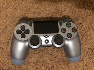 Playstation DualShock 4 Wireless Controller for PlayStation 4 - Titanium Blue for Sale in Miami, FL