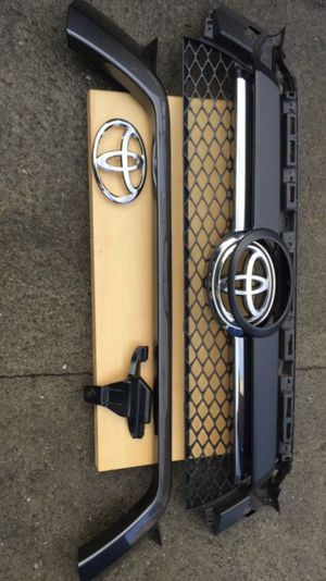 Toyota 4runner 2010-2013 OEM Front Grille for Sale in Los Angeles, CA