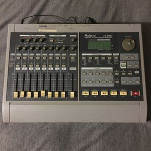 Roland VS-880 Multi-Track Mixer/Recording Digital Studio Workstation (VS880) for Sale in New York, NY