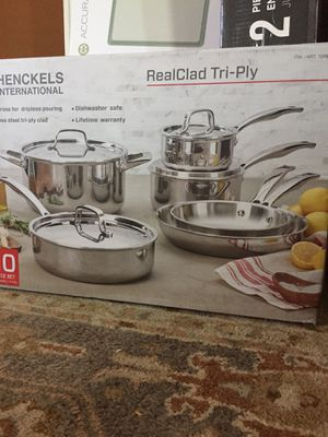 HENCKELS INTERNATIONAL 10 PIECE REAL CLAD TRI PLY STAINLESS STEAL for Sale in Los Angeles, CA