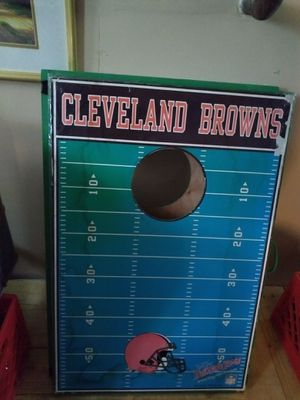 A Cornhole game Wooden board very good condition used I am in Lakewood Ohio for kids for Sale in Cleveland, OH