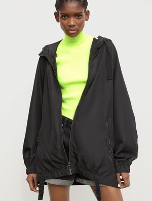 Zara packable raincoat L for Sale in Chicago, IL