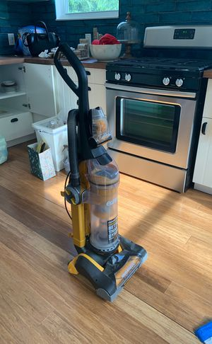 Not really used Eureka by electrolux vacuum Better than dyson for sure!!! for Sale in North Miami Beach, FL