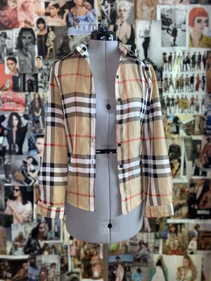 """"""" Burberry """" Plaid Flannel Top for Sale in Las Vegas, NV"""