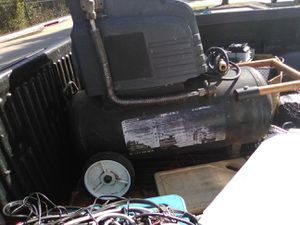 30$ air compressor never used works great no longer need for Sale in Dallas, TX