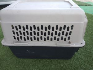 Dog crate for Sale in Bloomington, CA