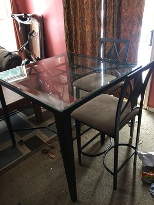 Dining room table with 4 chairs for Sale in Rockville, MD