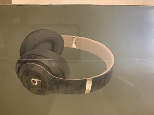 beats studio 3 camo new in box sealed for Sale in Daly City, CA