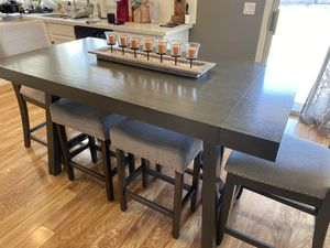 Kitchen table w/chairs and stools for Sale in Chandler, AZ