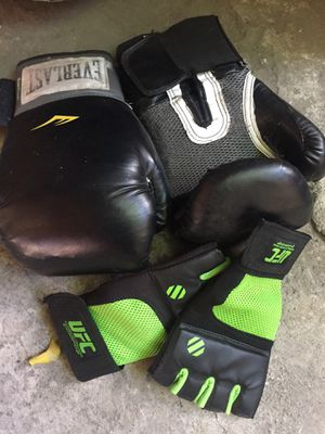 Everlast 70lbs heavy bag for Sale in Los Angeles, CA