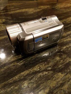 Canon Vixia HF100 HD camcorder for Sale in Chicago, IL