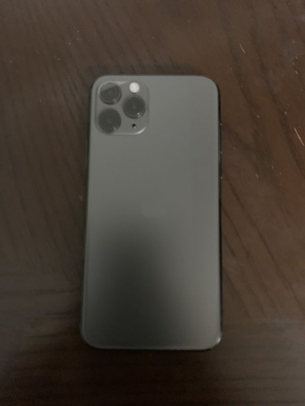 iPhone 11 Pro T-Mobile 64 GB No ICloud Or Blacklist (Serious Inquiries Only)