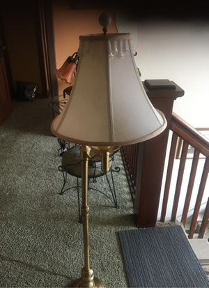 Reading floor lamp 4 feet tall. $25 for Sale in Pico Rivera, CA