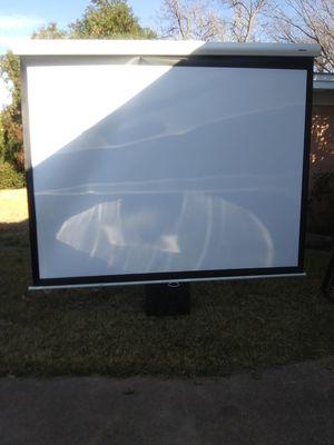 PANTALLA PARA PROYECTOR///SCREEN PROJECTOR ESTA EN MUY BUENAS CONDICIONES MIDE 10 FT X 6 FT . for Sale in Irving, TX