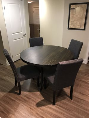 Almost new dining table and chairs for Sale in Pasadena, CA