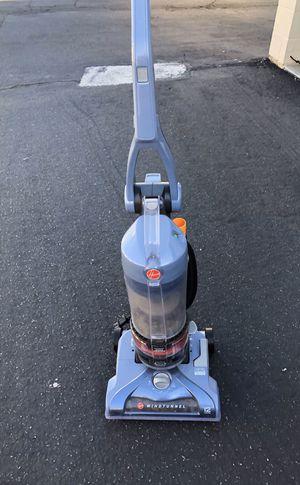 Very nice Hoover vacuum with retractable plug! for Sale in La Costa, CA