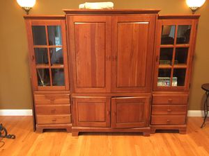 Entertainment center bookcase for Sale in Issaquah, WA