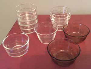 Pyrex Dessert Bowls and Glass Bake for Sale in Scottdale, PA
