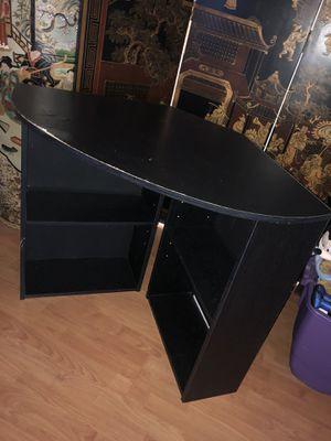 Corner desk for Sale in Spring Valley, CA