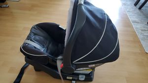 Graco click connect carseat w/base! for Sale in Castro Valley, CA