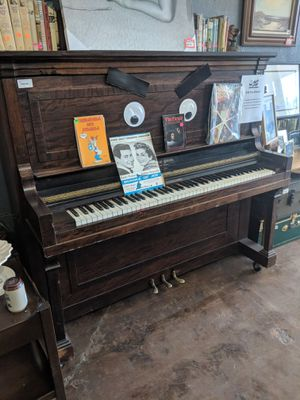 ANTIQUE BJUR BROS UPRIGHT PIANO for Sale in Las Vegas, NV