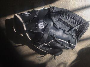 Kids Baseball Glove / Mit Wilson A360 for Sale in Marina del Rey, CA