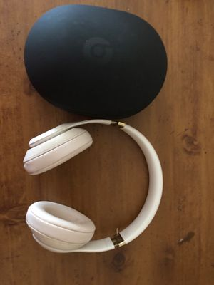Beats solo 3 for Sale in Lakewood, WA