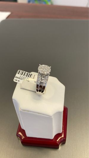 10k white gold ladies diamond ring with 1 ctw real diamonds for Sale in Duncanville, TX