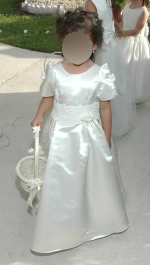 Flower girl dress size 4t for Sale in Miami, FL