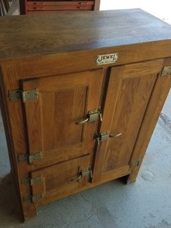 Antique Oak Ice Box for Sale in Ramona,  CA