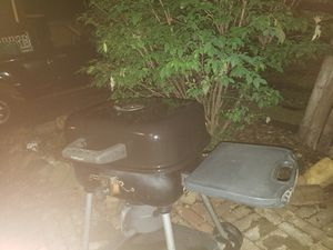 Charcoal grill for Sale in Peoria, IL