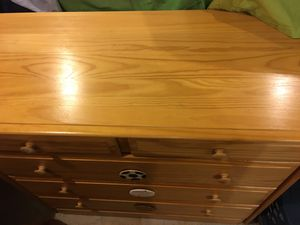 Kids chest of drawers. 2 small top drawers , 3 large lower drawers. for Sale in Bedford, VA